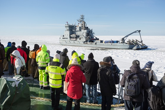 Observers following the Arctic Exercise in Kemi